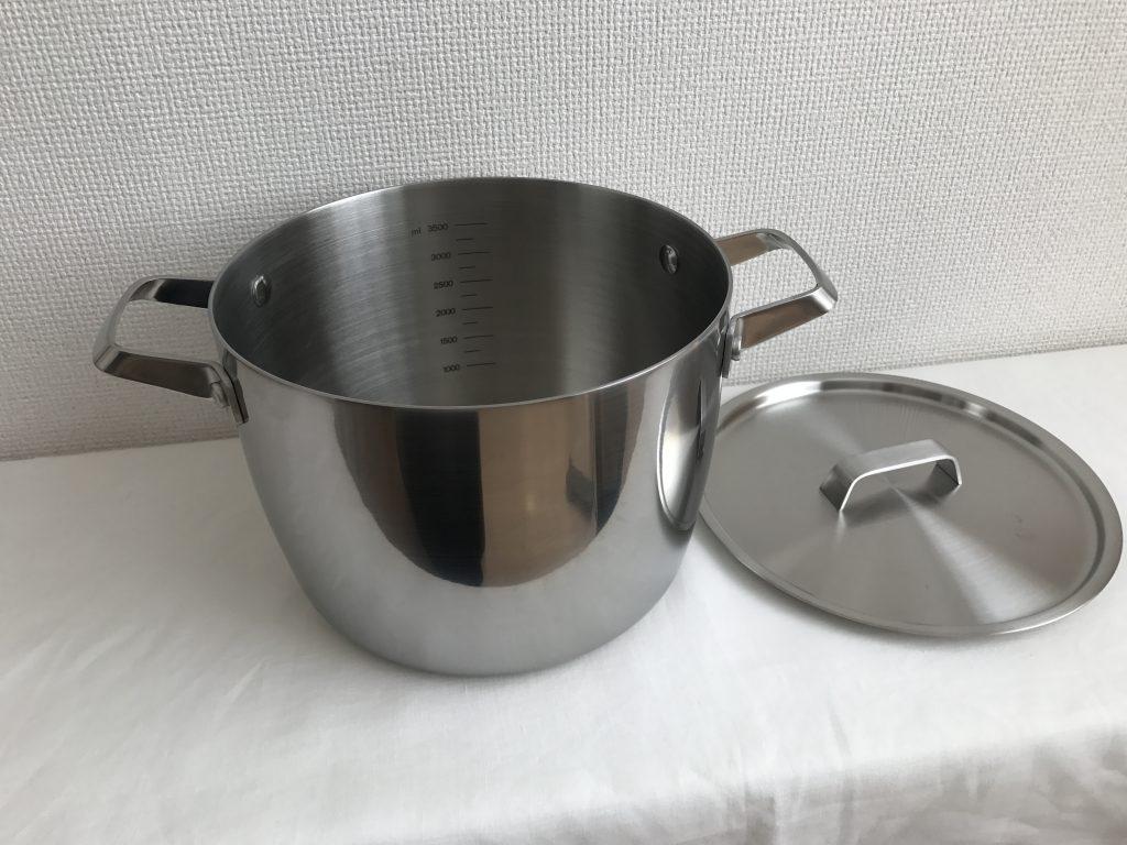 アイリスの「IHコンロ&土鍋風無加水鍋セット」が大活躍しています。 ほんとに便利~(^^♪